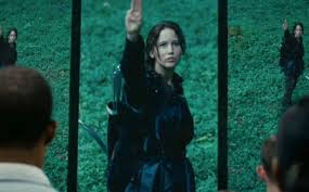 Hunger Games Katniss salute defiance